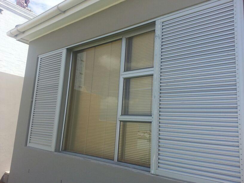 Aluminium shutters windows